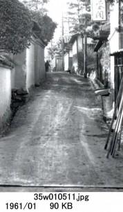 0001_0040 聖雲閣前の道