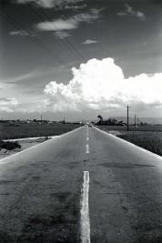 0007_0009 センターラインが引かれた国道25号線