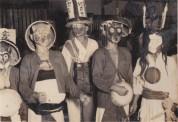 0023_0004 並松商店街 大売出しの仮装