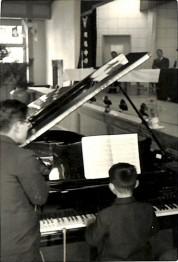 0034_0108 ピアノ開き