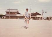 0025_0002 自転車乗りの練習