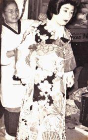 0049_0003 花嫁の着付け